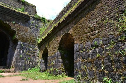 homestay in sakleshpur, manjarabad fort